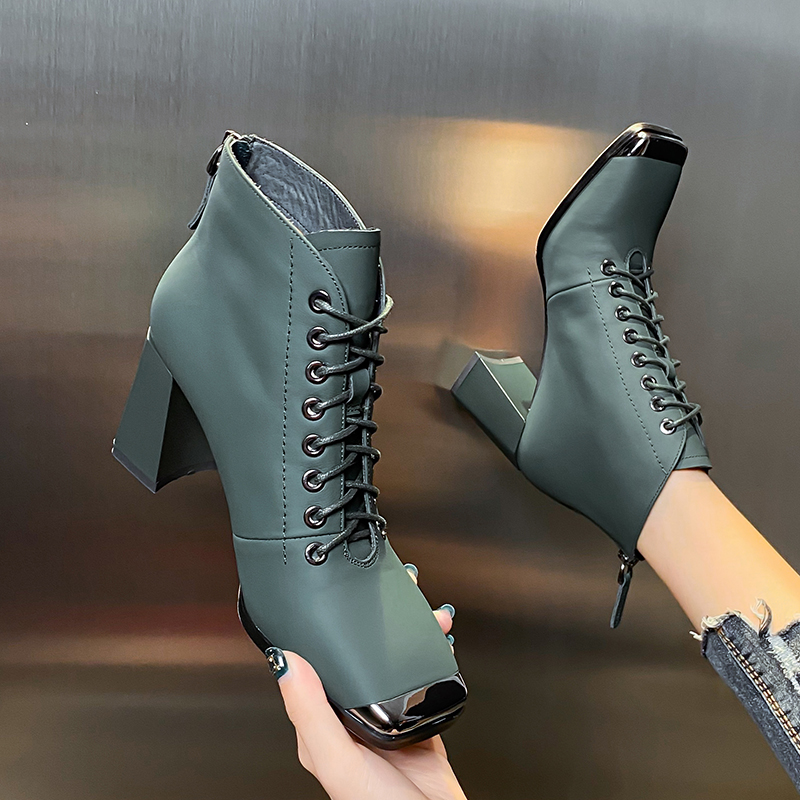 European and American style metal anti-collision square head leather lace up boots autumn and winter 2020 new thick heel back zipper high heels