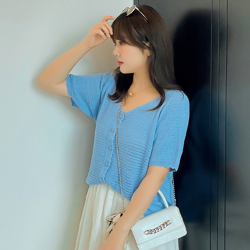 Large womens knitted cardigan T-shirt 2021 summer new fat mm THIN V-neck foreign style short sleeve half sleeve top fashion