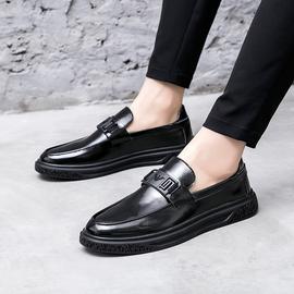 圆头亮皮厚底皮鞋男韩版潮流青年配西装商务正装一脚蹬套脚休闲鞋
