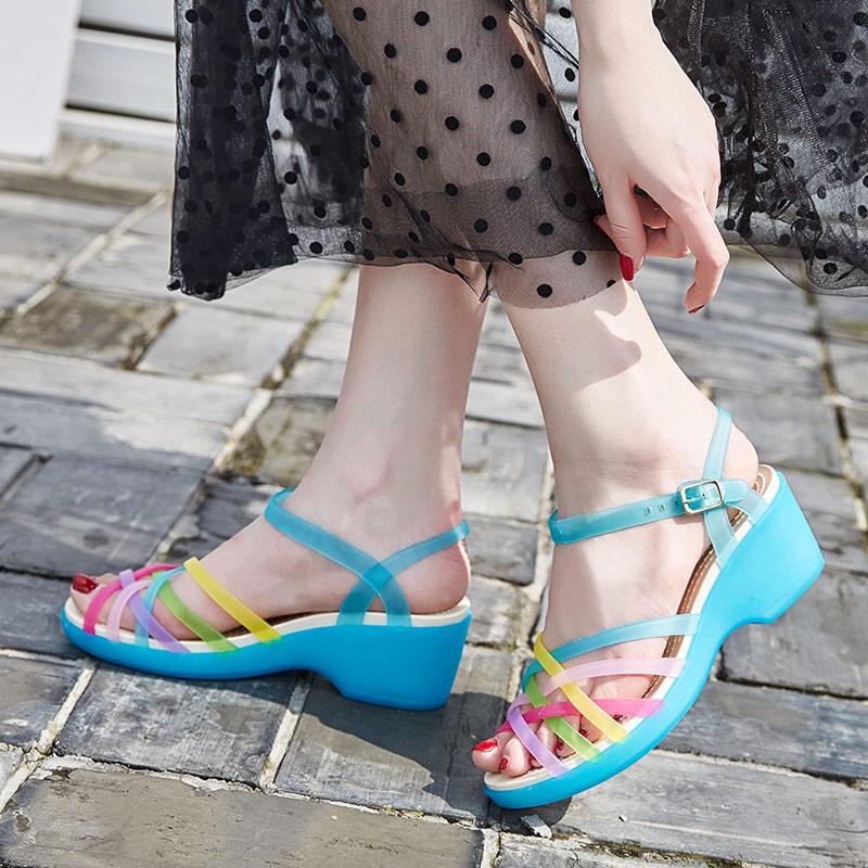 凉鞋女夏季新款百搭厚底坡跟洞洞鞋沙滩鞋女塑料凉鞋鱼嘴果冻鞋女券后55.00元