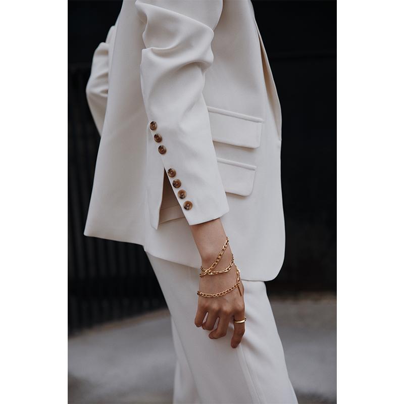 ROSEBANKS   袖口小心机 满屏博主风的奶油白西装外套