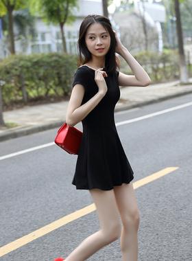 黑色短袖连衣裙2021女夏季新款气质收腰显瘦a字短裙赫本风小黑裙
