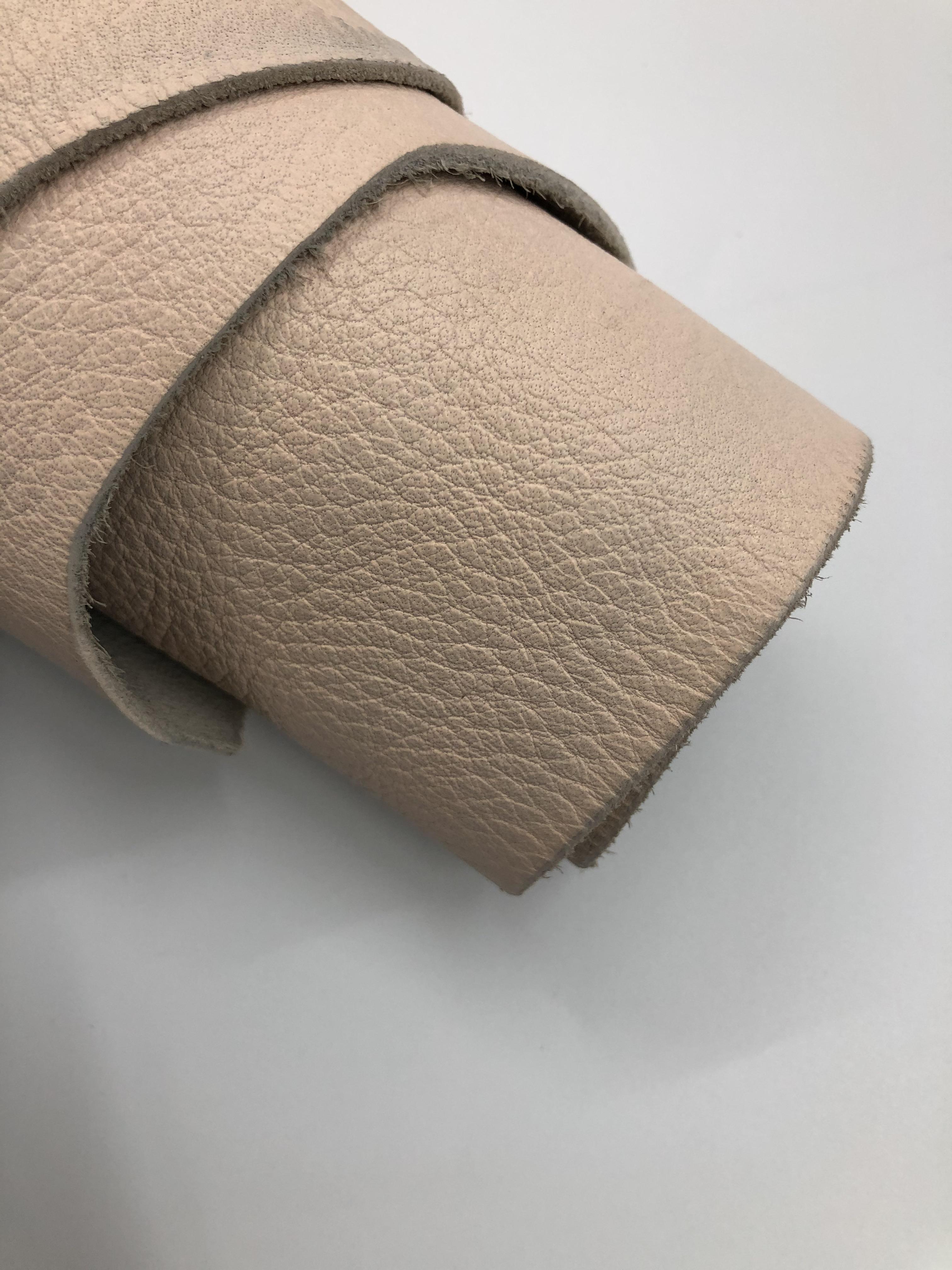 YJ59 厚度1.7-1.9Mm 进口头层粉色荔枝纹 适中 20平方英尺*7元
