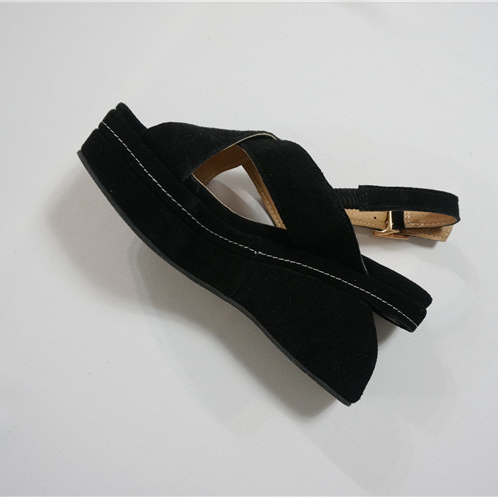 Lovin there Korean sheepskin suede streamlined thick soled sandals