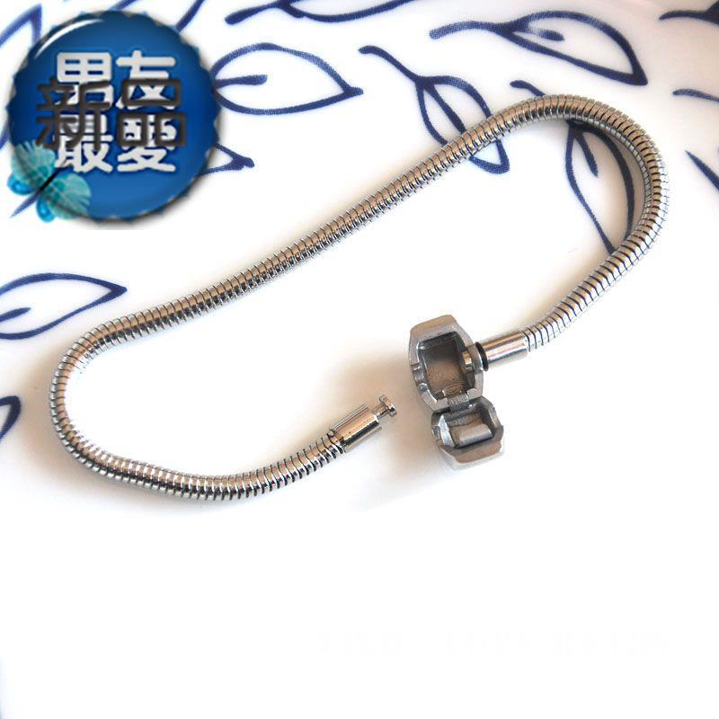 Brand new classic stainless steel Q snake chain o snake chain soft chain not easy to fade Bracelet Panjia accessories