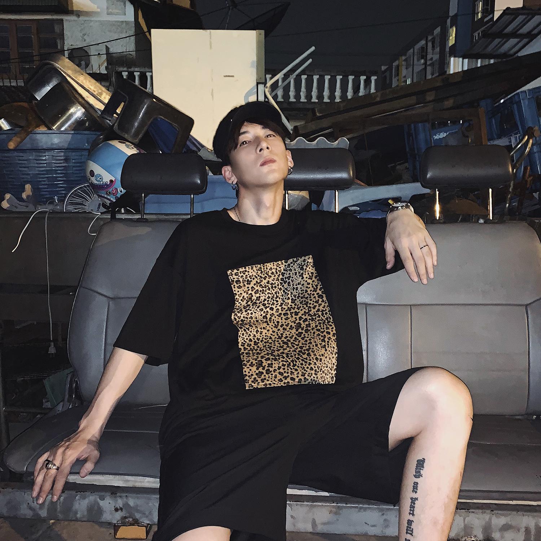 物空宋松 潮牌男生情侣拆卸豹纹贴布宽松短袖T恤ins网红ifashion85.00元包邮
