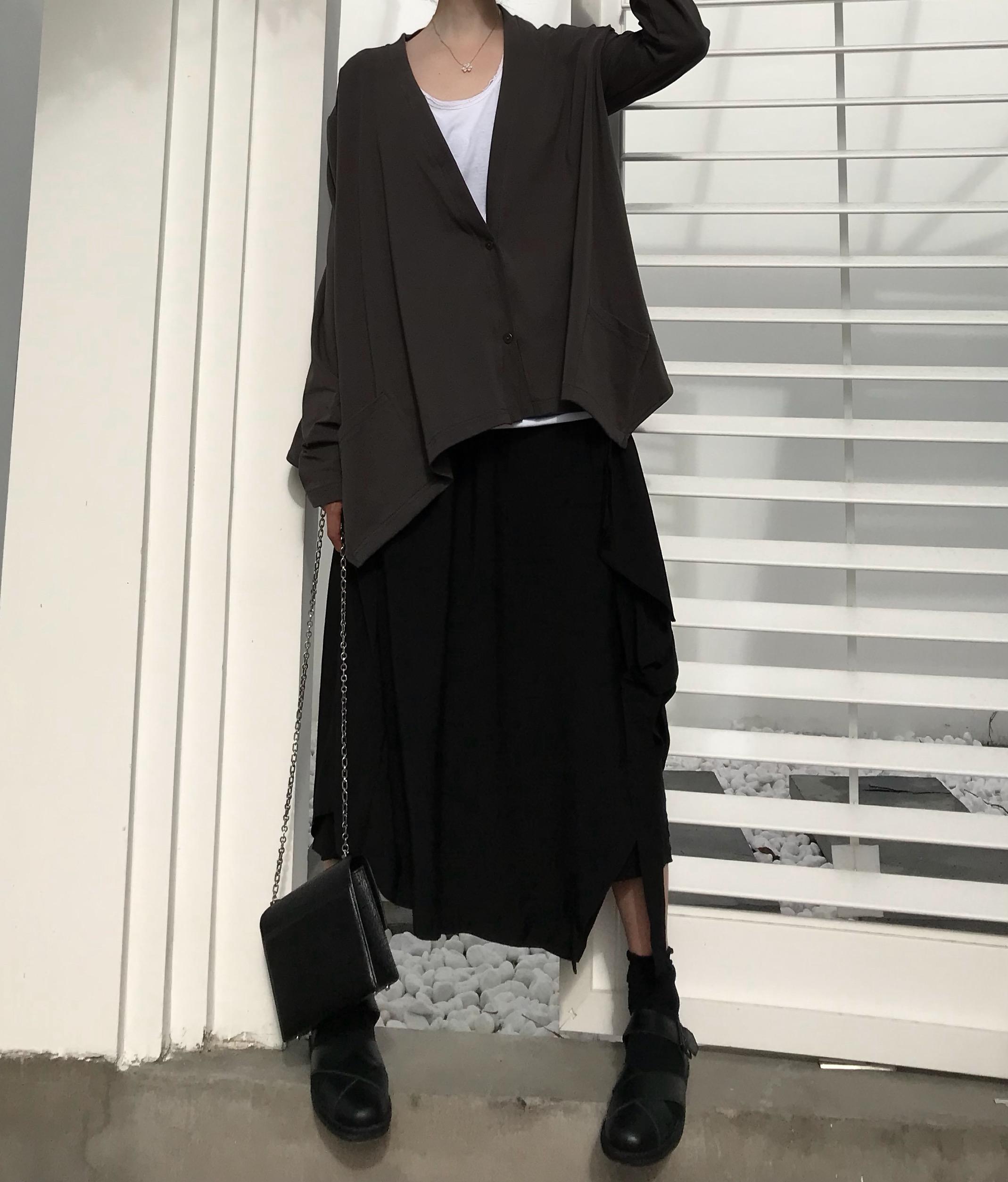 小八同学2018秋季新品港风暗黑系侧边设计感百搭半身裙