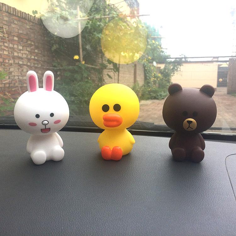 创意卡通汽车摆件布朗熊可妮兔莎莉鸭弹簧摇头公仔娃娃车内车载萌