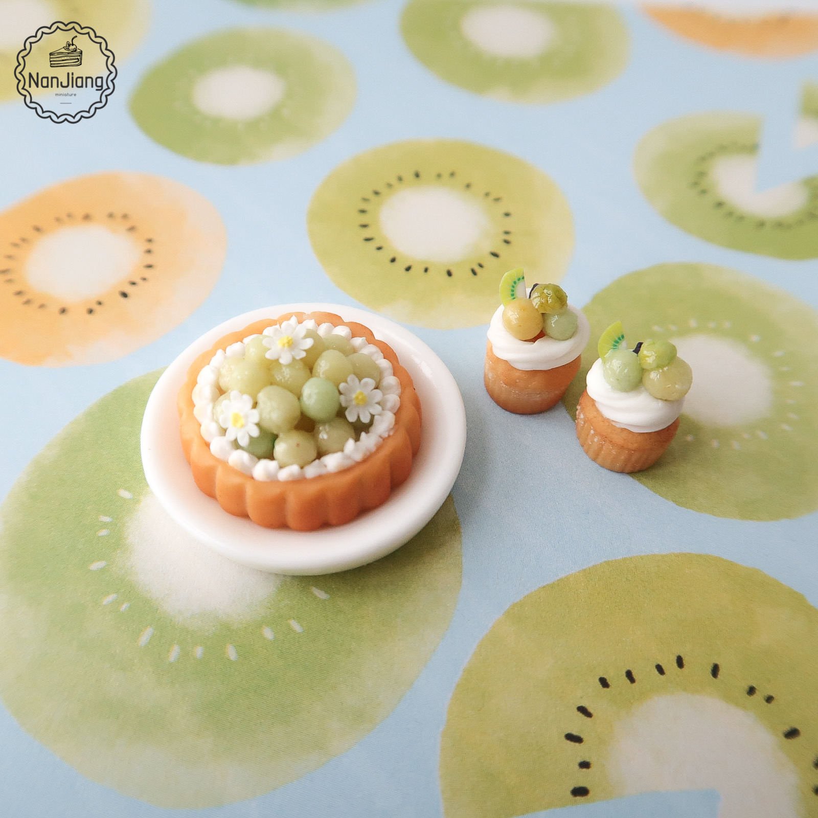 Miniature world food and play fruit pie muffin ob11 Mini scene 12 point Baby House accessories BJD food model