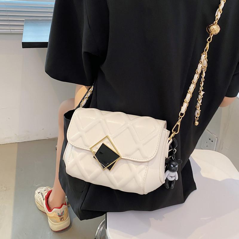 小包包女夏季2021新款潮时尚爆款女包百搭超火小众金球链条斜挎包