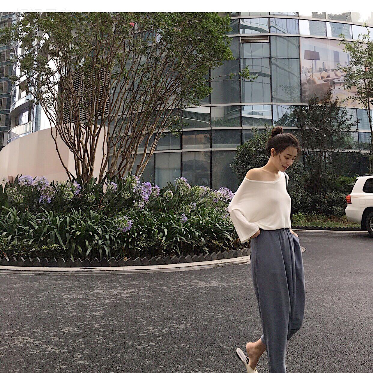 夏季女装2018新款韩范短袖宽松白色T恤网红同款衣服露肩上衣ins潮