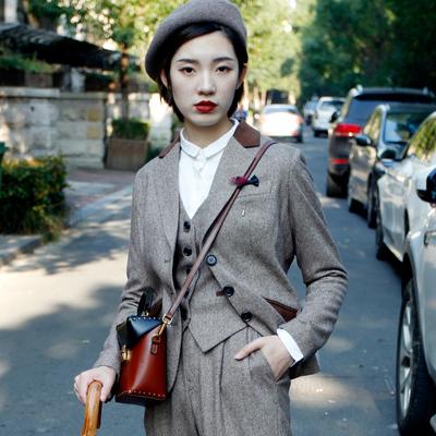 【释缝】羊毛呢料小西装英伦复古短款修身2019冬季新外套原创女装