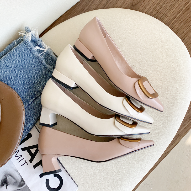 Leather pointed shallow mouth flat bottom square button single shoe women 2020 new evening style medium heel thick heel high heel shoes Pink
