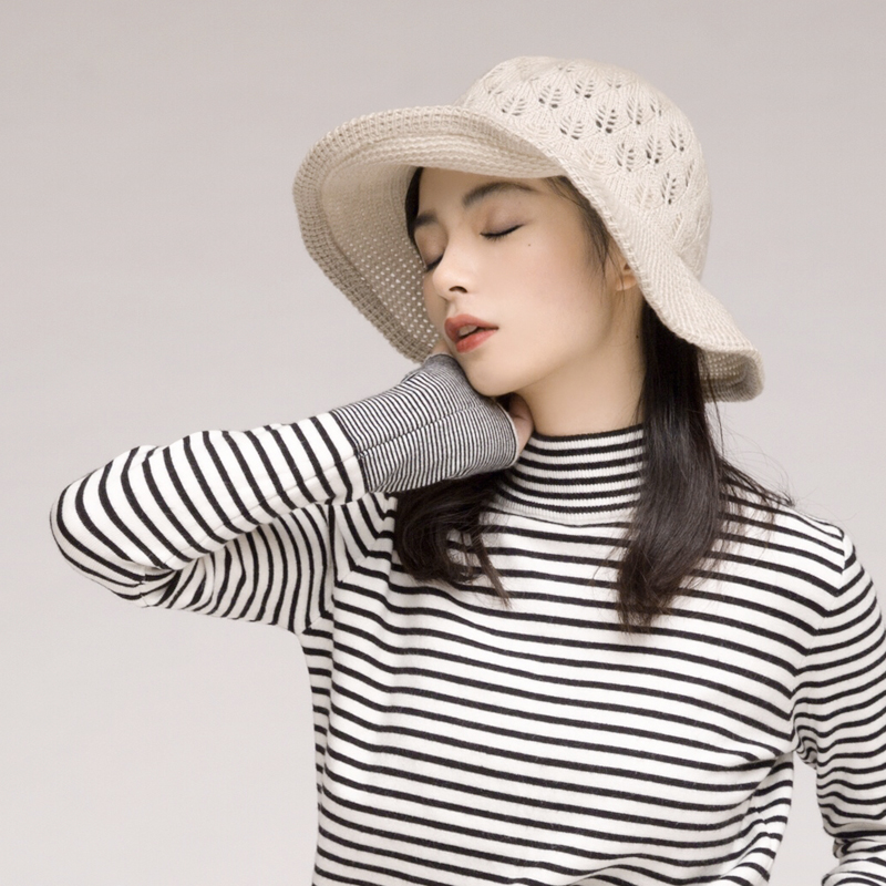 Semi high collar Plush sweater, nuns body with bottom coat, black and white striped thickened warm top in autumn and winter, T-shirt