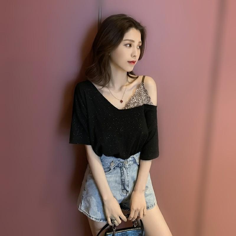 夏季女露肩性感吊带豹纹学生T恤拼接假两件V领上衣亮闪闪打底小衫