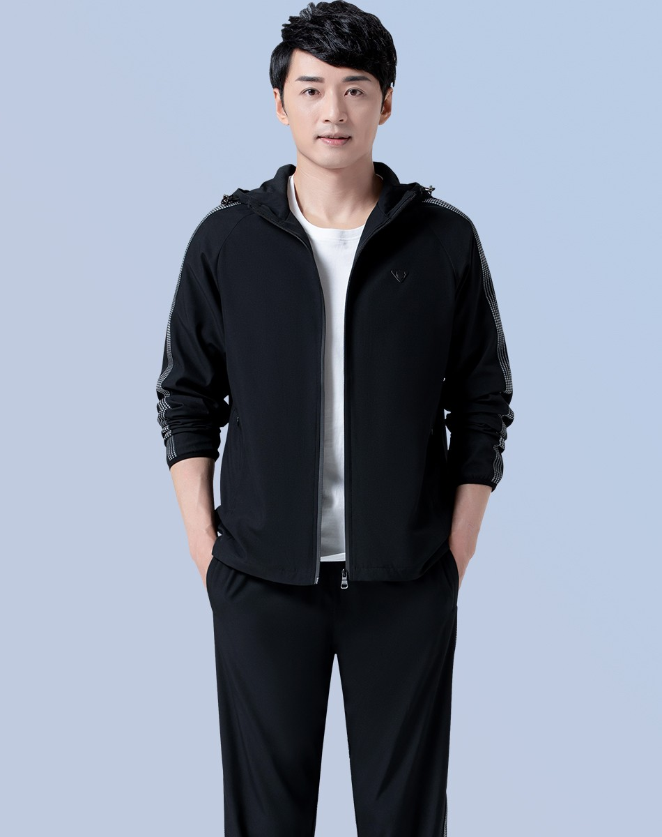 Genuine spring and autumn sports coat mens Korean mens cardigan hooded sportswear young mens sports jacket