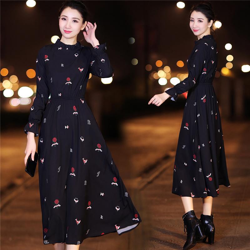 2019新款连衣裙女秋冬长袖高领加绒法式雪纺打底裙子显瘦过膝长裙