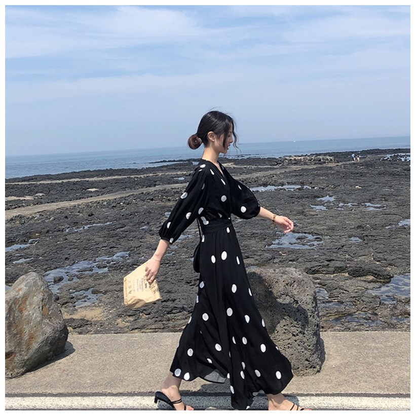 Spring 2020 new womens fashion retro students Black Polka Dot Chiffon dress looks thin and long skirt summer