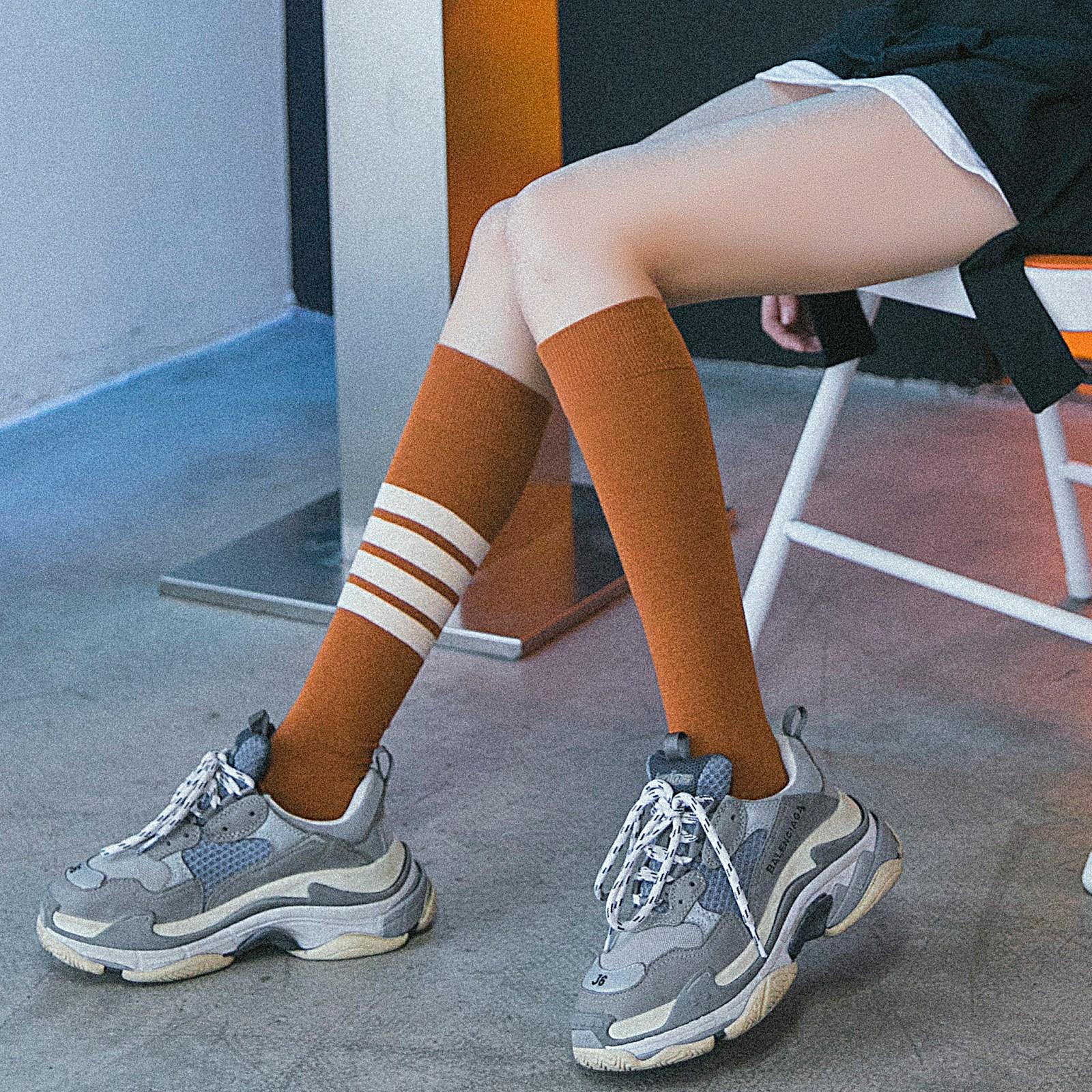 长筒袜子女韩国秋季小腿袜日系女生学院风及膝条纹高筒运动棒球潮