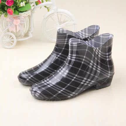 雨鞋创意短款低帮pvc橡胶格子印花女式成人水鞋套