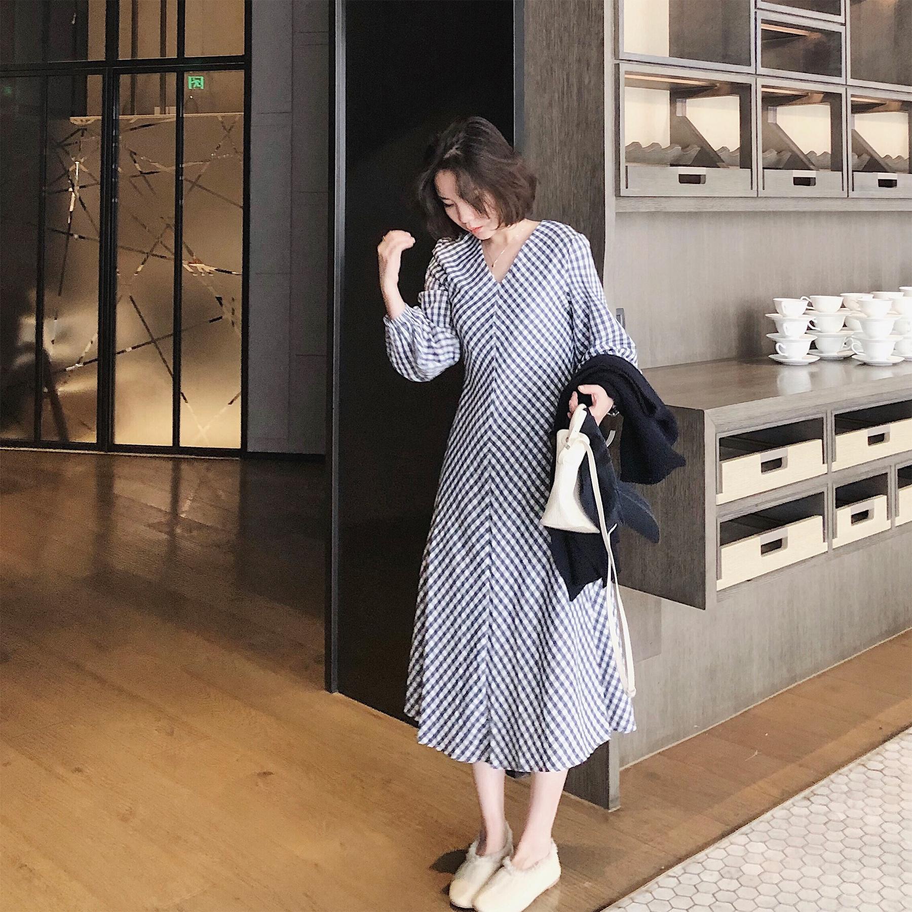 包邮misslady法式洋气v龄格子连衣裙秋装长袖收腰2019新款中长款韩版