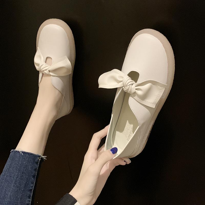 2020新款大码女鞋41一43百搭休闲鞋脚宽胖妹妹平底特大号女单鞋40