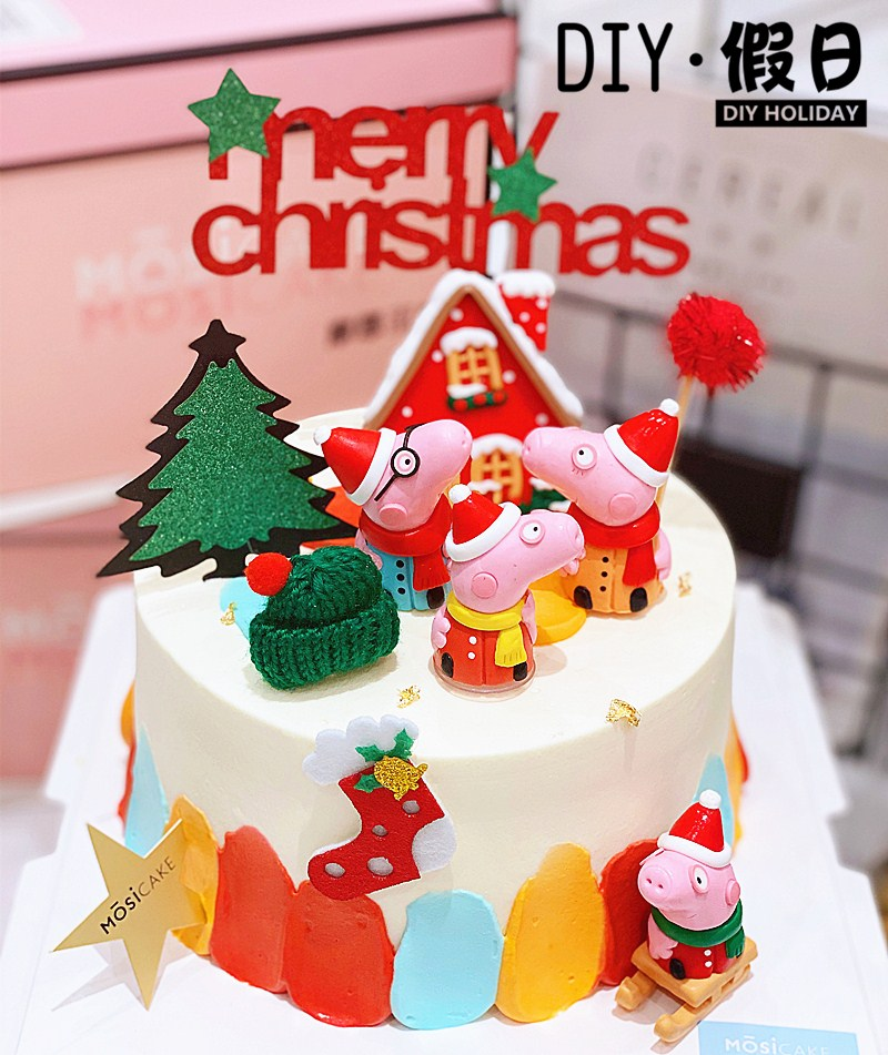 Three dimensional Christmas cake decoration plug-in soft Pottery PIGGY family four sled doll cake plug-in