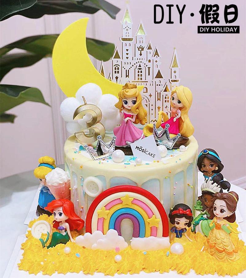 ケーキを焼いて飾ります。桃心小公主love誕生日ケーキ城の美少女の置物です。