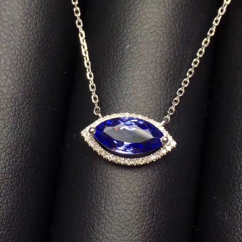 Natural Tanzanite 18 K gold clavicle Necklace fire color diamond eye shape womens small fresh and versatile