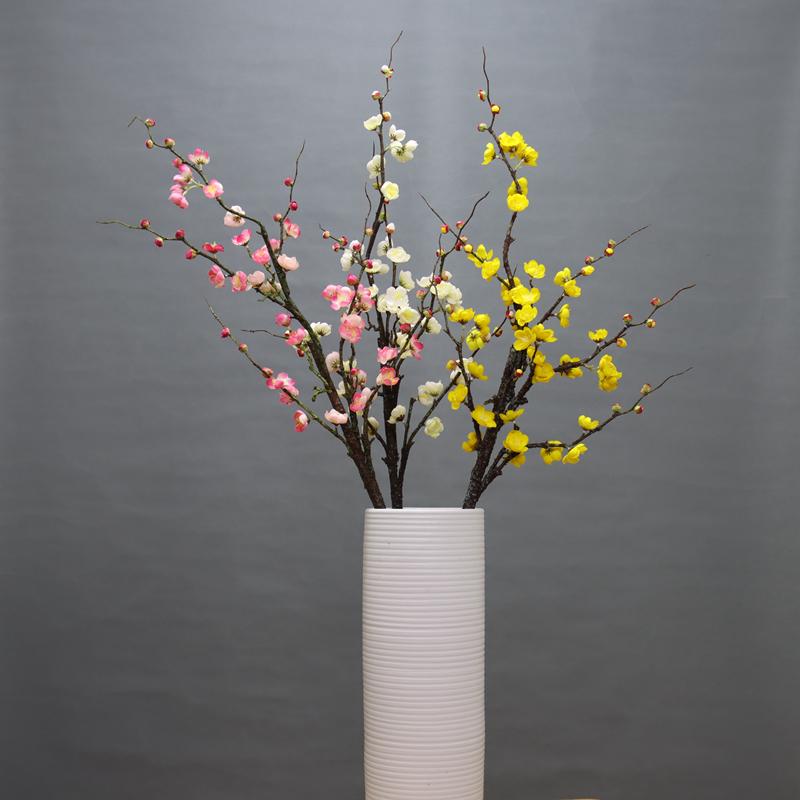 長枝は梅の花の偽花として、干した絹花として、家内結婚式の飾り付けをします。