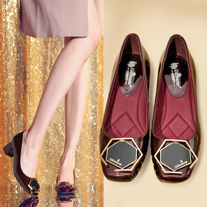 红色妈妈鞋软皮软底真皮中跟粗跟单鞋女方头小皮鞋胖脚大码高跟鞋