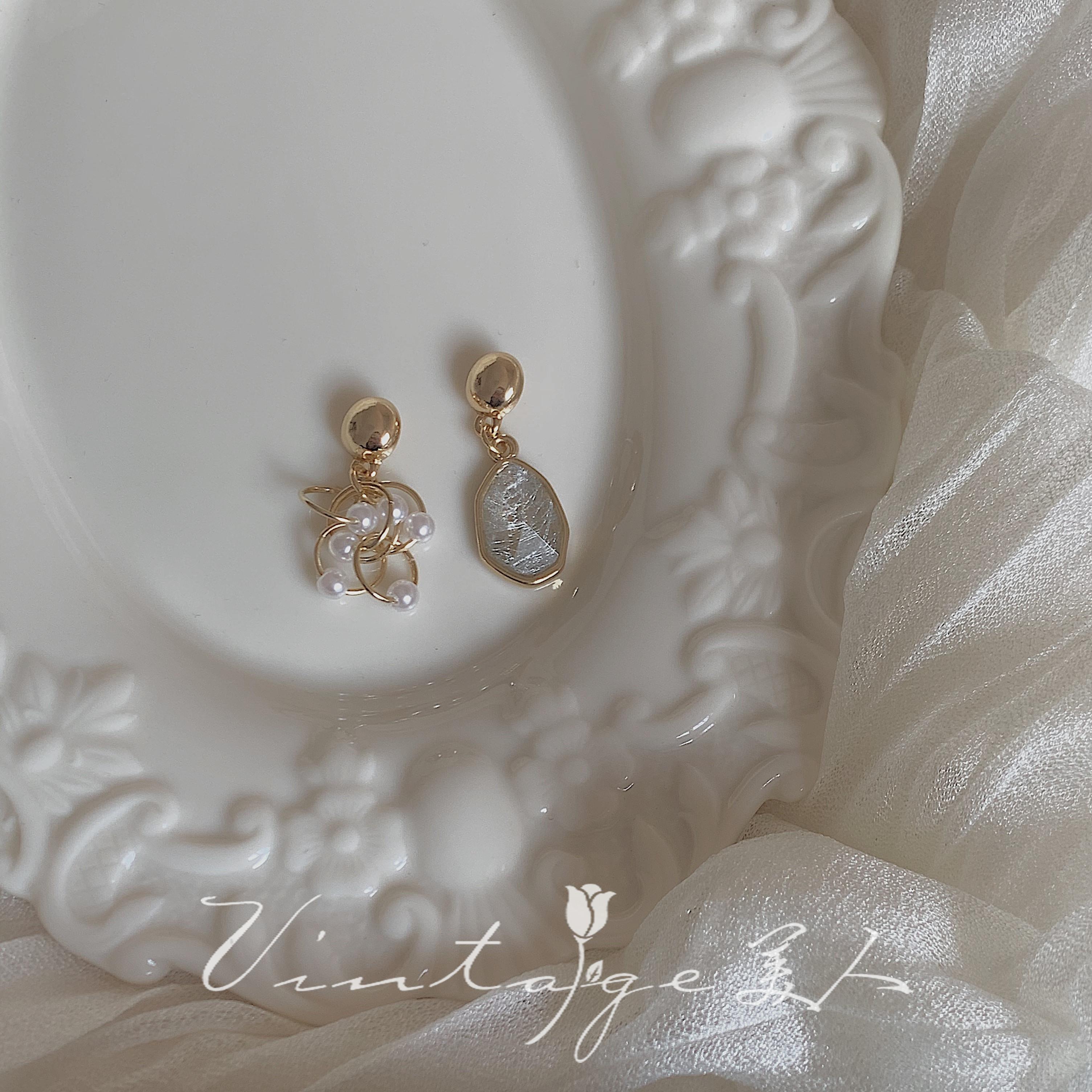 「歌与夜莺」灰色梦絮 优雅简约小众不对称灰色宝石珍珠耳环/耳夹图片