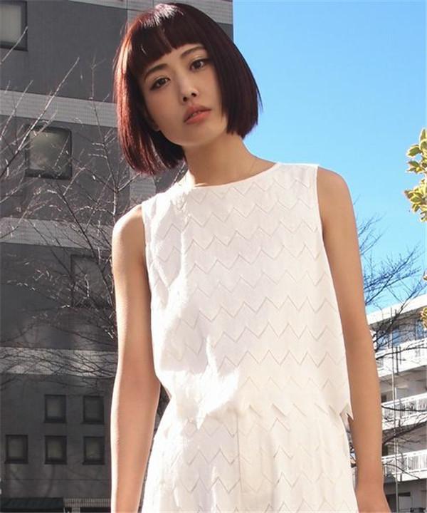 16夏MU 百搭温柔气质菱形花型设计纯色背心  VIVI杂志款