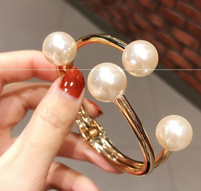 Fashion pearl open Bracelet trendsetter exaggerated net red Bracelet dress cuff with accessories