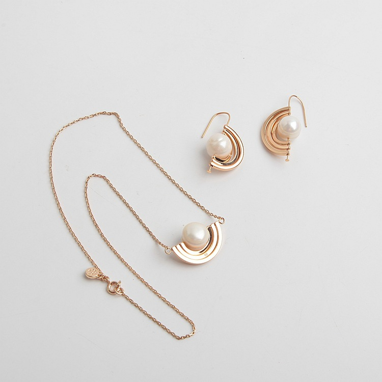 European and American brand TB new special-shaped natural baroque pearl irregular rotatable Earring Necklace Set