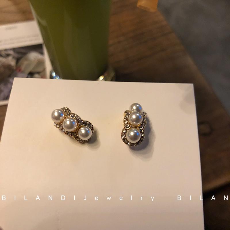 S925银针高级感耳环小众优雅珍珠轻奢耳钉小耳坠短款小巧耳夹女图片