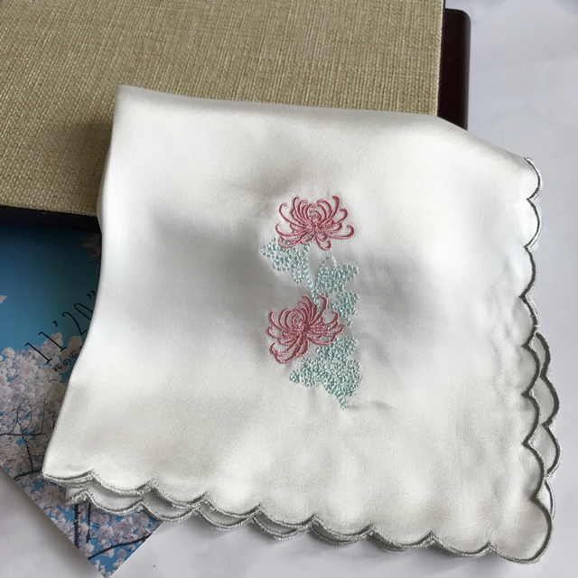 Package mail classic silk embroidered silk handkerchief silk plain crepe satin handkerchief female Chrysanthemum