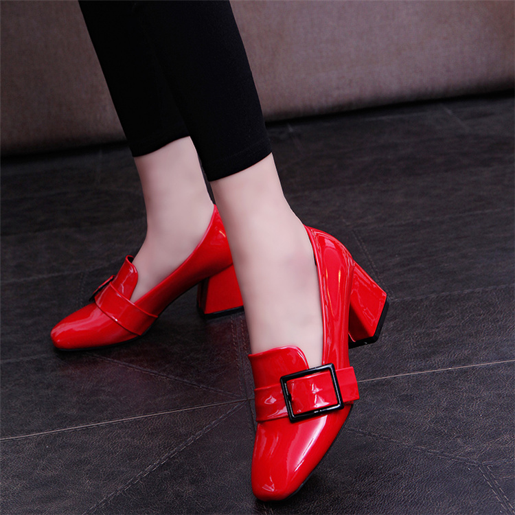 Spring 2020 new single shoe womens shallow mouth Korean versatile square head thick heel high heel shoes British style red leather shoes