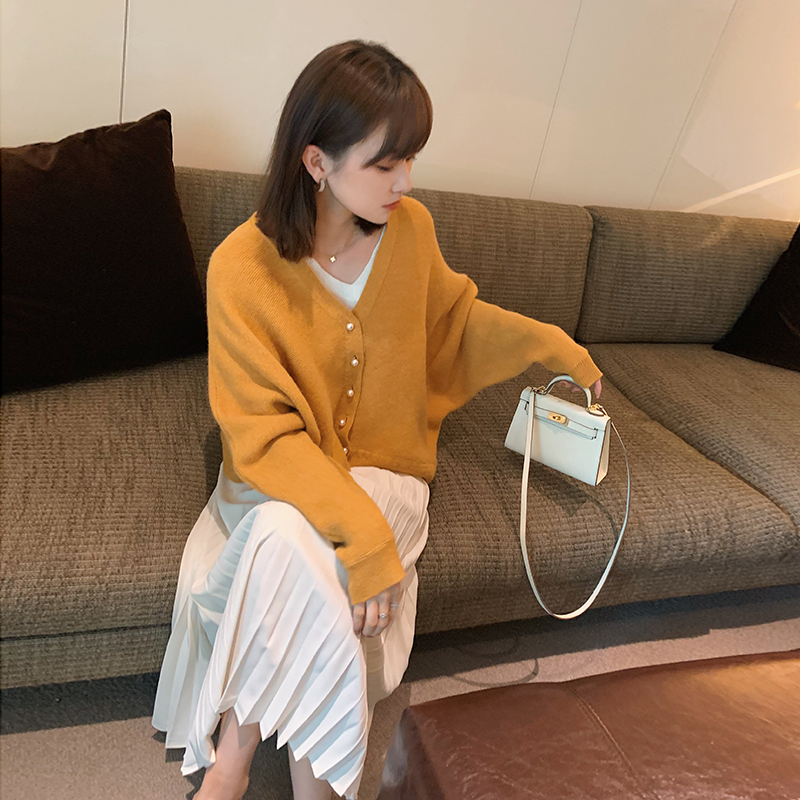 宽松黄色v领针织开衫女2020春夏新款韩版慵懒风外穿搭毛衣外套