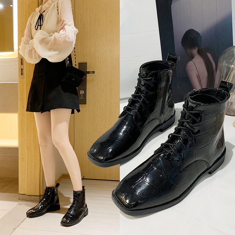 Net red skinny boots childrens super hot fall 2019 new British style Martin boots square head flat bottomed Chelsea short boots