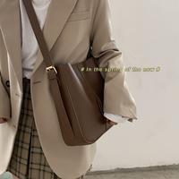 查看百搭ins大容量包包女2021新款潮时尚韩国水桶包小众斜挎包腋下包价格