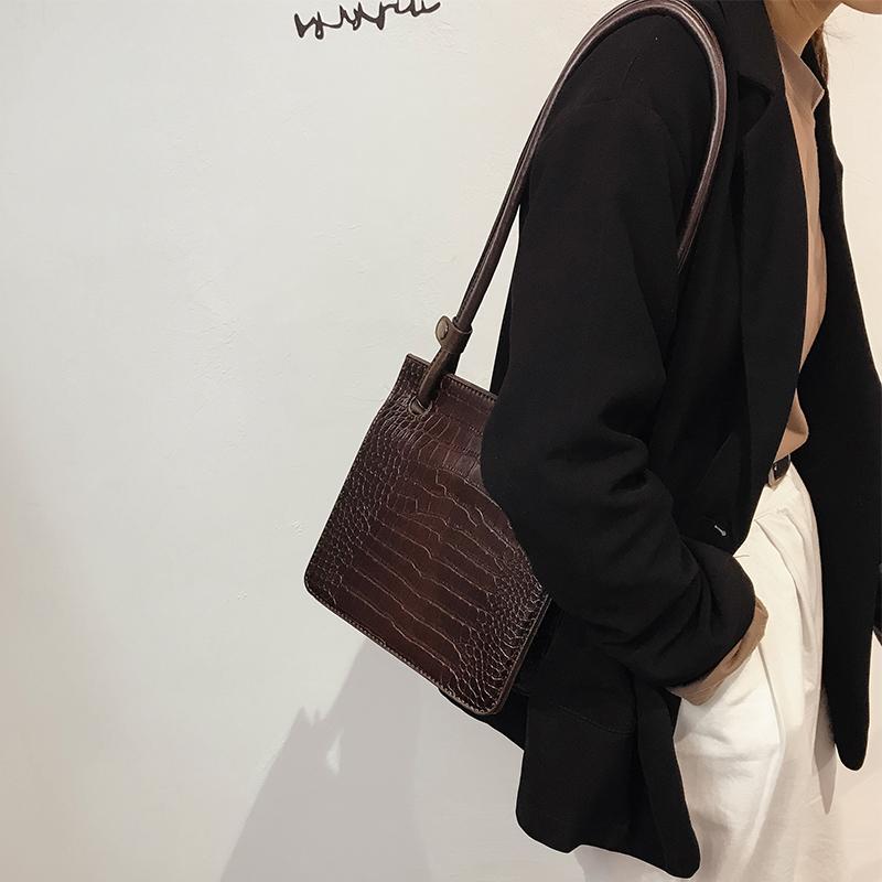 网红小包包女2019新款时尚鳄鱼纹小方包百搭洋气大容量单肩斜挎包