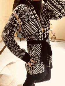 撞色缝盘让千鸟格气质又大簰 羊绒羊毛浴袍针织开衫女外套毛衣E23