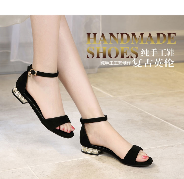 Chao brand diamond sandals womens 2020 new versatile one line buckle pearl thick heel large Roman fairy womens shoes low heel