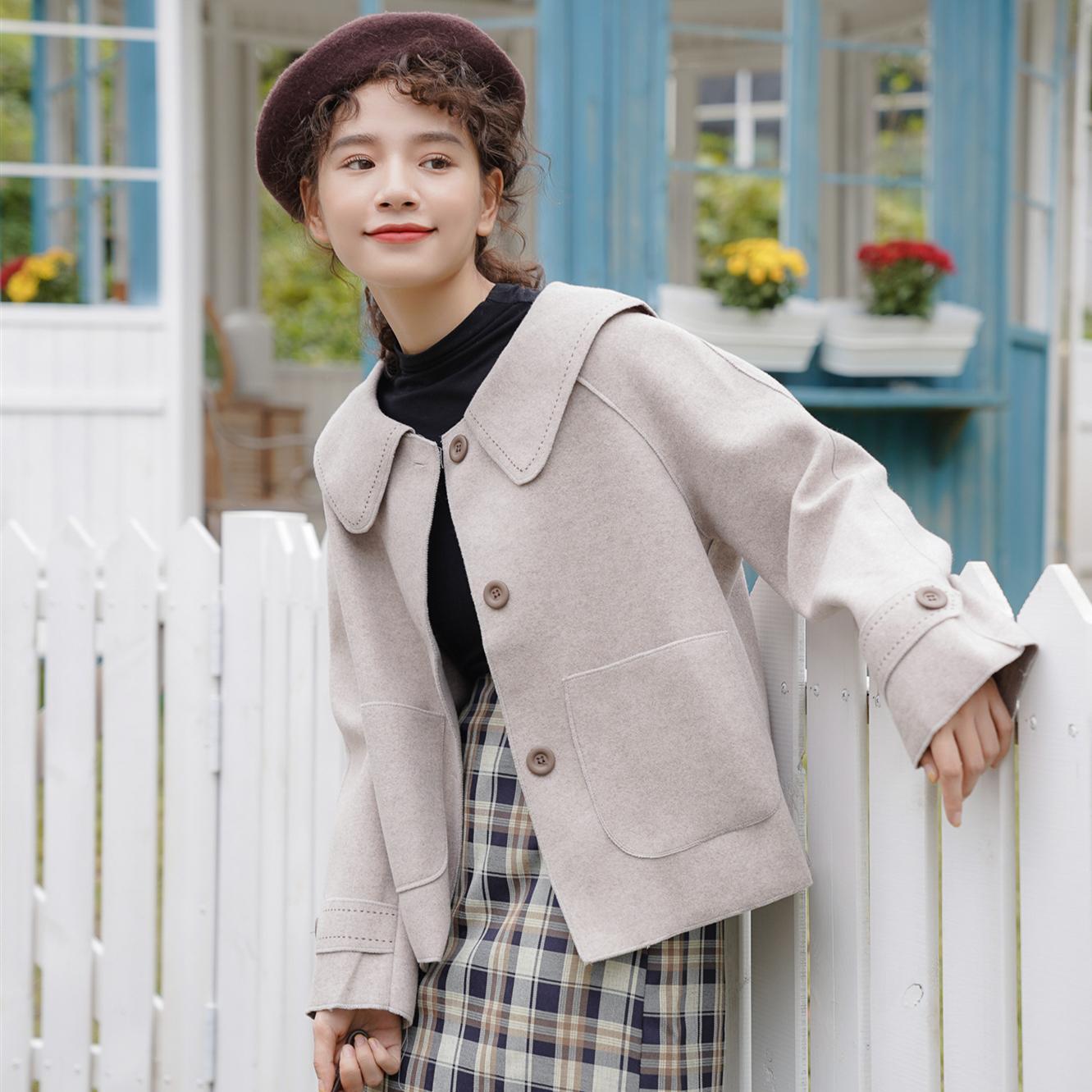 毛呢外套女洋气小个子显瘦甜美日系娃娃领小清新呢子气质短款大衣图片
