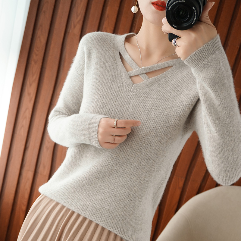 Korean woolen sweater womens hollow out cross V-Neck Sweater vertical bar simple slim knit bottoming sweater cashmere sweater new style