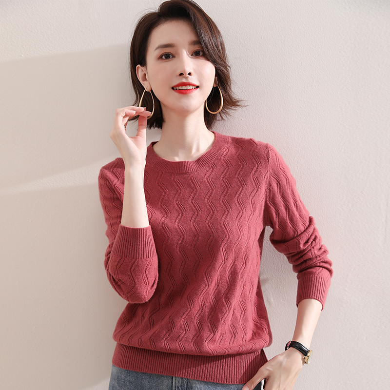 New round neck sweater womens wave hollow bottomed sweater fashion wear thin sweater cashmere sweater autumn and winter