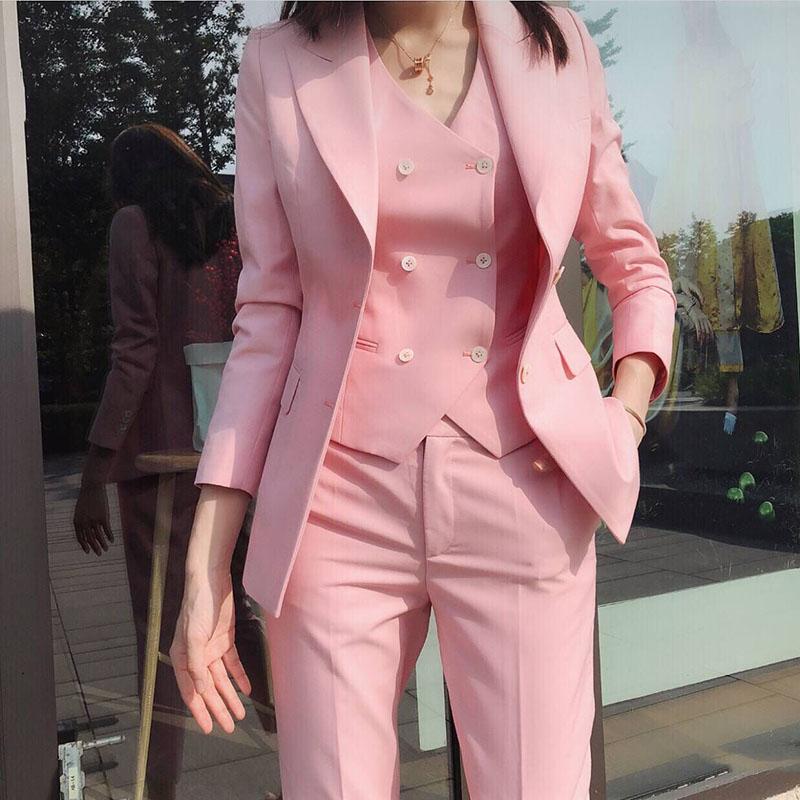高级感炸街粉色西装套装女春秋高端时尚气质职业显瘦小西服三件套