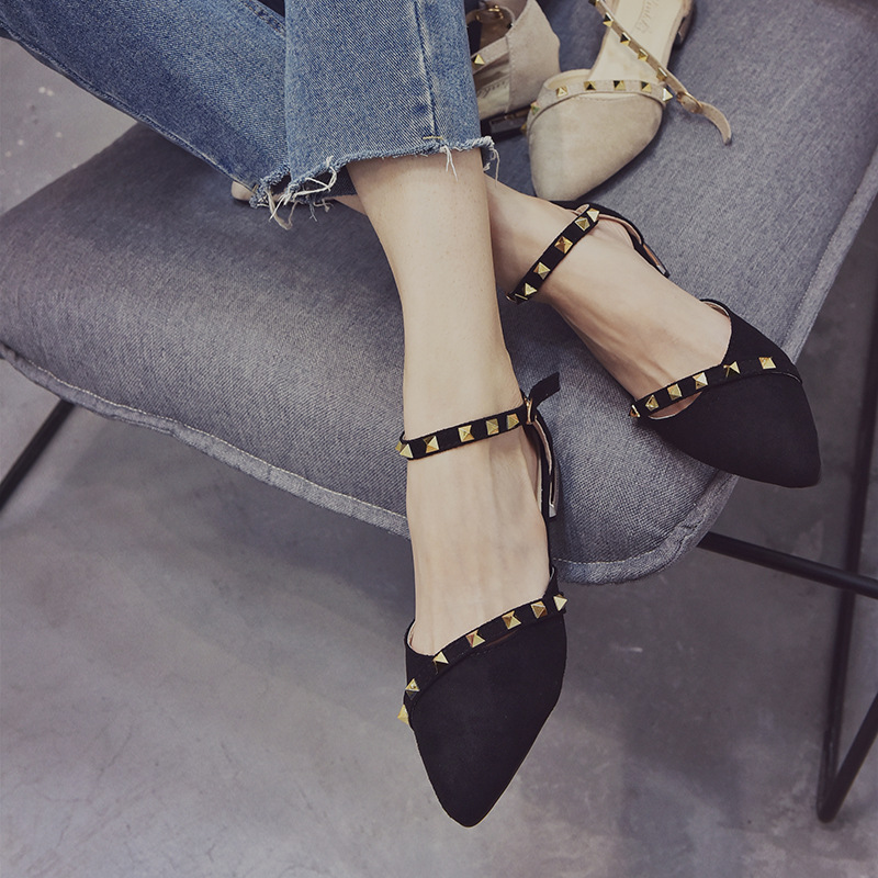 2018 summer new pointed suede spiked womens sandals with one-line buckle and low heel womens single shoes