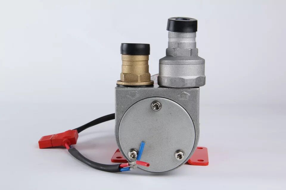 Tongshun brand direct current electric diesel fast pumping pump direct current 12v24v excavator self-priming pump is the same as the parallel vane oil pump